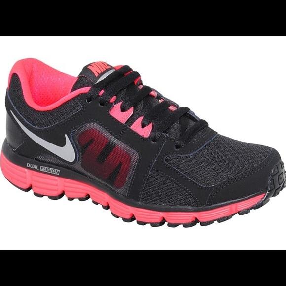 Física Molesto amortiguar  Nike Shoes   Dual Fusion St2 Womens Shoe   Poshmark
